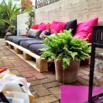How to construct a garden lounge with wooden pallets