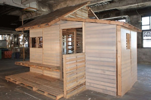 pallet house 2 300x199 Pallet house or shelter for refugies