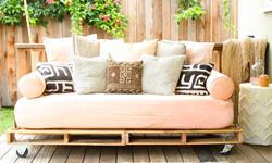 sofa bed pallet furniture futon Build a sofabed (futon) with wooden pallets