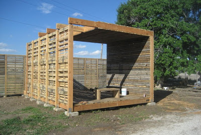 farm_production_center_made_of_pallets_4