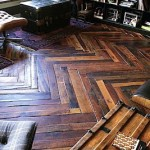 Parquet flooring in Kex-Hostel made ​​of pallets