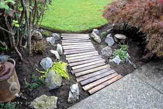 pallet path Build your own garden path with pallets