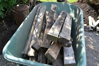 pallet path 2 Build your own garden path with pallets