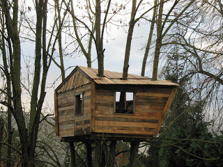 pallet tree house Pallet tree house for our children