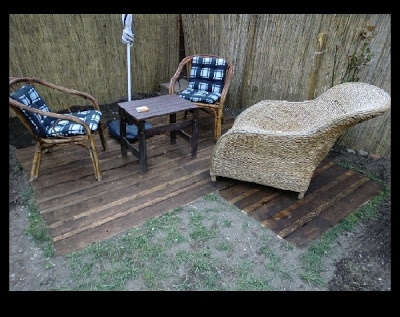 patio_pallet_flooring