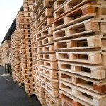 Roof structure made of recycled wooden pallets