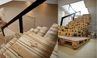 stairs_with_pallets