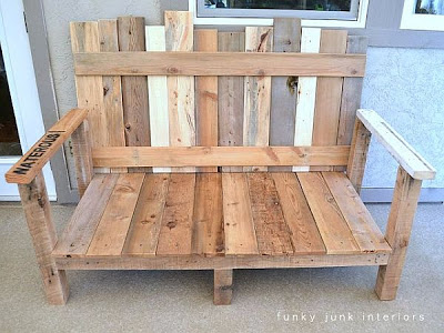 A sofa for your garden made of pallets_2