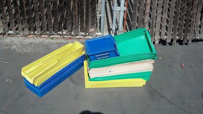 An easy to do shelf to organize your garage_2