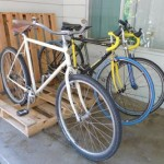 Build a bicycle parking lot for your porch with pallets