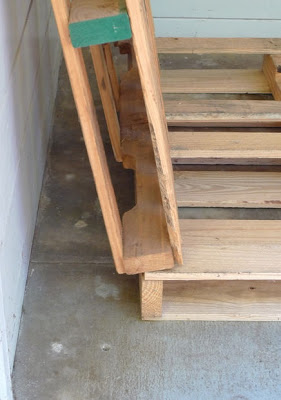 Build a bicycle parking lot on your porch with pallets_5