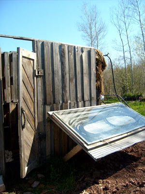 Build_a_solar_shower_with_pallets_4
