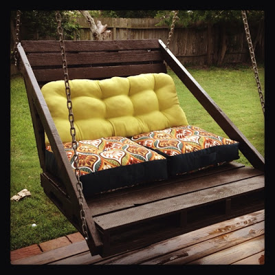 Construction of a swing sofa easy to do with pallets