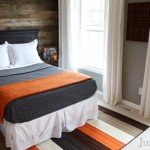 Cover the wall of a room with pallet wooden boards