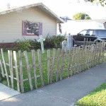 Decorate your garden on Halloween with a cemetery made of pallets