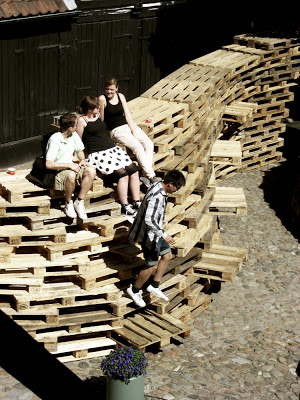 Pavilion made of pallets ​​by the students of the Aarhus School of Architecture_3