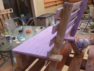 Small chair design for your kids made ​​of wooden pallets_2