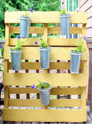 Vertical tiny garden for who have little space in their garden or patio_2