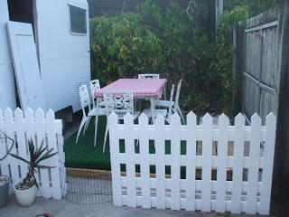 clasic pallet fence Classic Fence made ​​with recycled wooden pallets