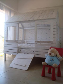 1x1.trans Pallet bed house for your kids