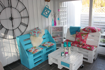 pallet_Armchairs_coffee_table