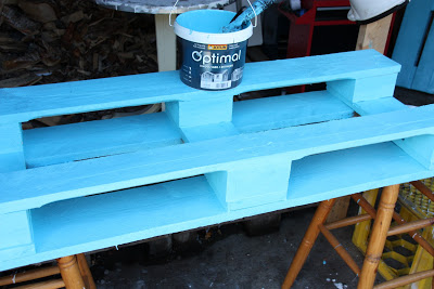 pallet_Armchairs_coffee_table_4