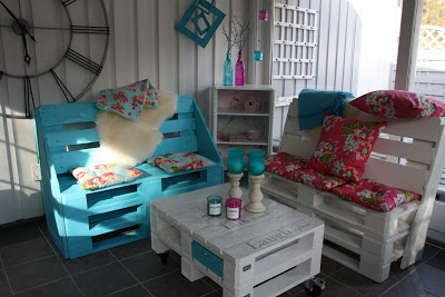 pallet_Armchairs_coffee_table_8