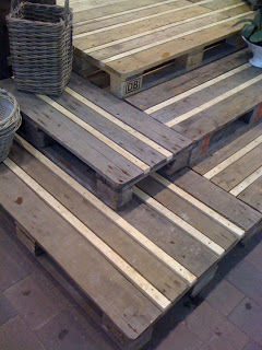 pallet_rustic_stairs