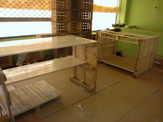 Eco shop all furnished with furniture made of pallets2