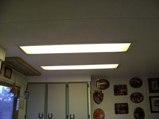 Lighting in a kitchen using wooden pallet boards11