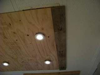 Lighting in a kitchen using wooden pallet boards6