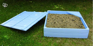 Sand box with wooden pallets made