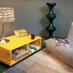 Side table made ​​with fruit boxes