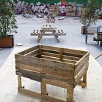 Several plans to build a planter, a seedbed and a chair with pallets