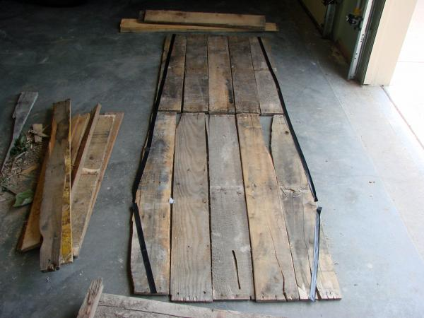 Lowcost Coffin made ​​of wooden pallets3