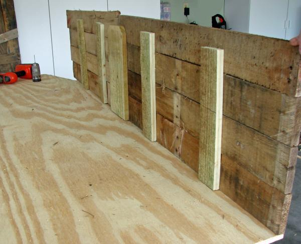Lowcost Coffin made ​​of wooden pallets7