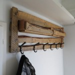 How to make a coat rack with pallets