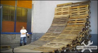 Bikes circuit built ​​with wooden pallets6 Bikes circuit built ​​with wooden pallets