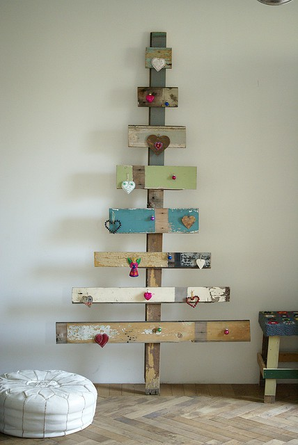 arbol de navidad con palets2 Christmas trees made ​​with pallets