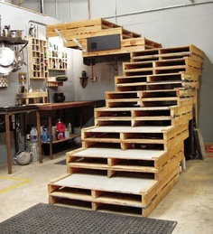 Original ideas made with wooden pallets 9