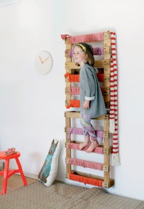 Coat rack easy to do with pallets and plans of the construction process3