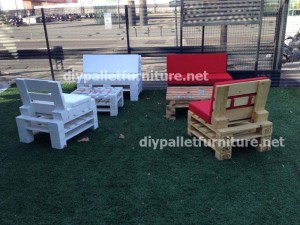 Garden furniture made with pallets (2)