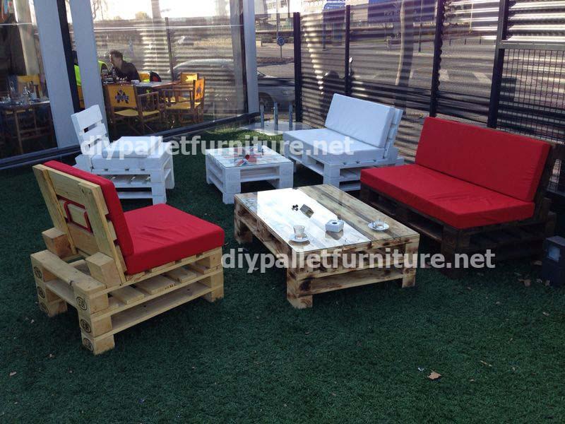 Garden furniture made with palletsDIY Pallet Furniture | DIY ...