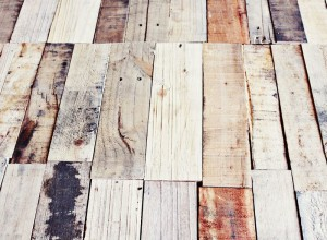 How to make a rustic-vintge table with pallet boards (10)