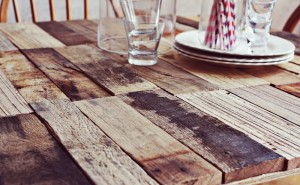 How to make a rustic-vintge table with pallet boards (3)