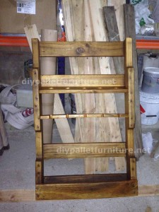Instructions of how to make a wooden wine rack with pallets (3)