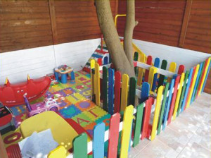 Kindergarten made ​​with pallets and plans of the process (3)