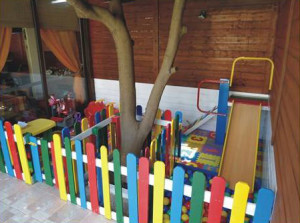 Kindergarten made ​​with pallets and plans of the process (4)