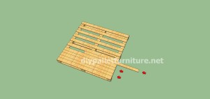 Plans and video of how to make house with pallets5