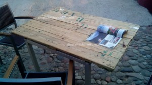 Tables made ​​of pallets at the Belgrado Cafe (5)